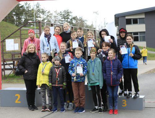 Įsibėgėja varžybų maratonas jauniesiems lengvaatlečiams