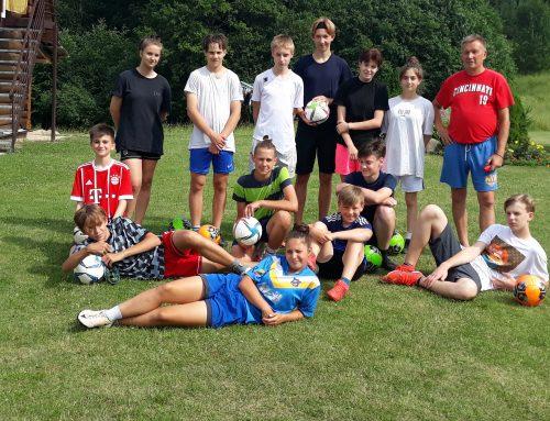 Aktyvi jaunųjų futbolininkų vasara stovyklose